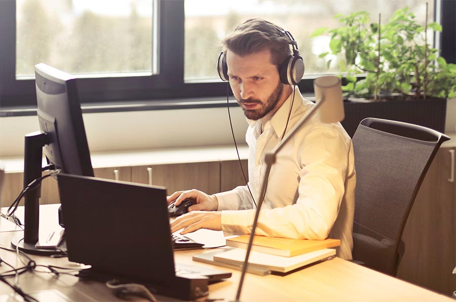 Benefits of implementing a virtual advisor